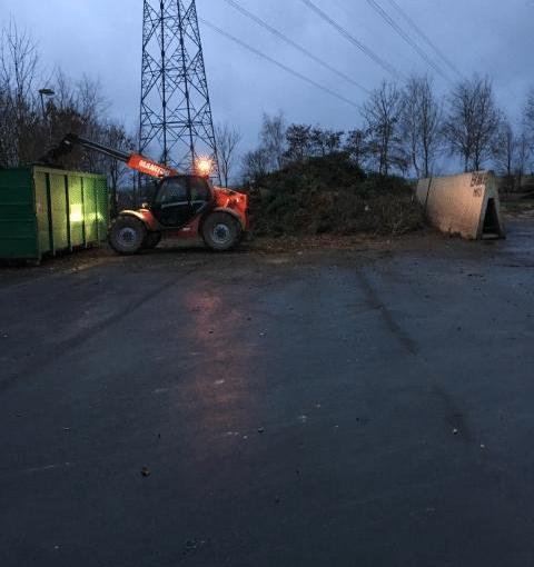chargement déchets verts à Baron sur odon